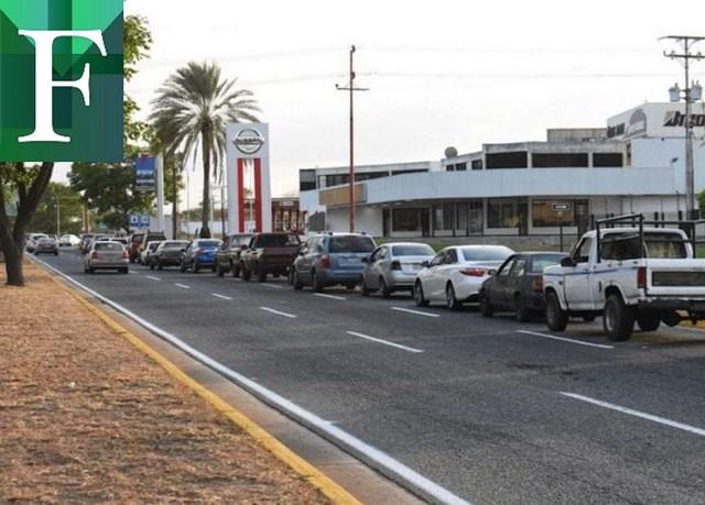 Escasez y mafia reinan en las estaciones de servicio de Bolívar