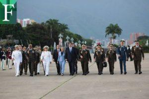 Maduro ratificó a Padrino López en  Defensa y renovó cúpula militar