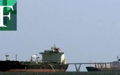 Pdvsa descargará 1 millón de barriles de crudo varado en el mar por sanciones