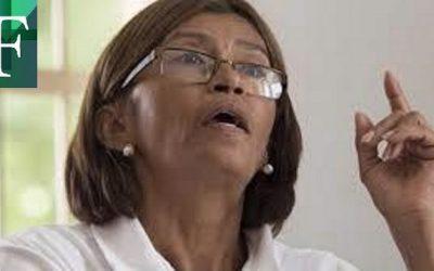 """""""Trabajamos con las uñas"""": Enfermeras venezolanas hacen frente a la pandemia y a la crisis"""