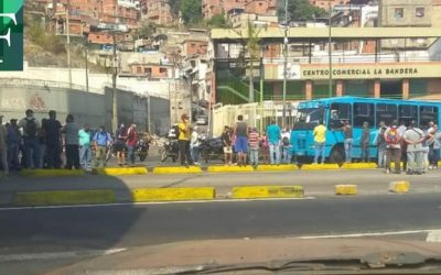 Protestas en Caracas por escasez de combustible