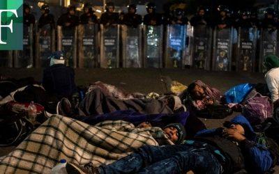 Miles de migrantes atrapados por las barreras que impuso el coronavirus