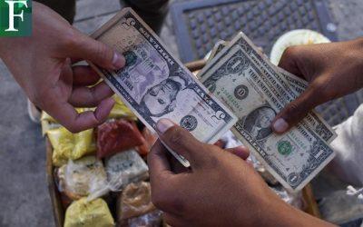 Dolarización venezolana, negocio ante escasez de efectivo