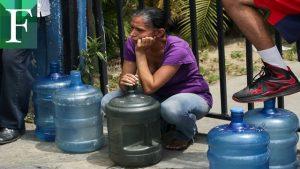Venezolanos a prueba a prueba de escasez de agua y de gasolina