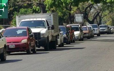 Continúan las protestas en Maracay por la escasez de gasolina