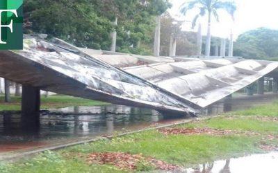 Se desploman pasillos techados de la UCV