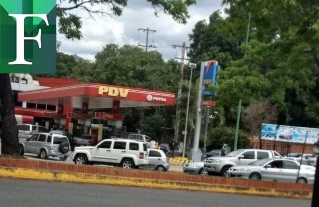 Autobuses decomisados y cárcel ofrece maduro al que bachaquee gasolina