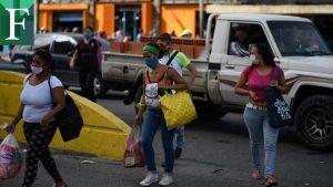 Crisis obliga a venezolanos a arriesgarse en medio de la pandemia