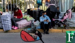 400 venezolanos varados en Bogotá acordaron levantar campamento para regresar al país