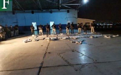 Honduras decomisa 489 kilos de cocaína en avioneta procedente de Venezuela