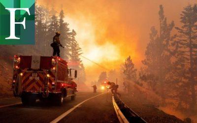 Incendio de Los Ángeles destruye al menos 29 edificaciones y continúa activo