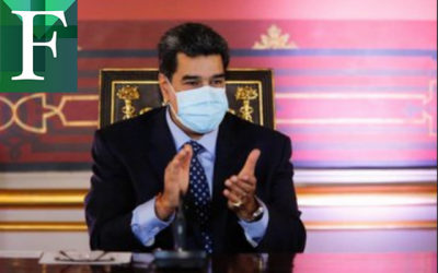 Maduro entregó ley Antibloqueo a la asamblea constituyente