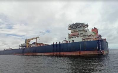 Continúa hundiéndose el tanquero Nabarima en aguas venezolanas
