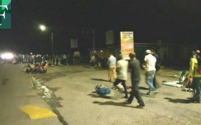 Calculan que 300 personas caminaron este miércoles por Barinas hacia la frontera