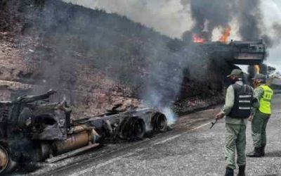 Camión cisterna que transportaba diesel se incendió en Bolívar