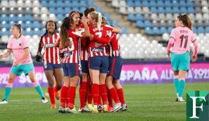 Deyna Castellanos marcó uno de los tres goles del Atlético contra el Barcelona
