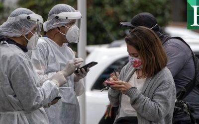 Colombia inició vacunación contra el covid-19 y está cerca de superar las 50 mil muertes por la pandemia