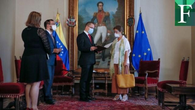 Régimen de Maduro expulsó a embajadora de la UE en Venezuela