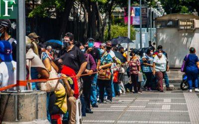La vacunación contra el covid-19 es una cuestión de suerte en Caracas