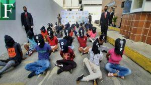 38 detenidos y dos funcionarios heridos dejó operativo policial en La Vega