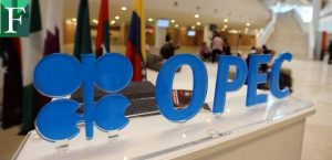 El crudo se desploma tras el pacto de la OPEP+ y por nuevos miedos al covid