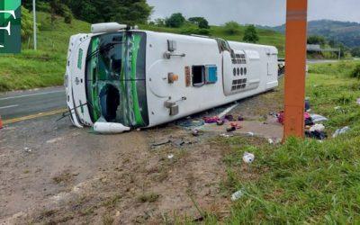 Al menos 15 migrantes haitianos heridos por accidente de tránsito en Colombia