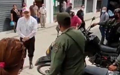 Obispo de Mérida enfrentó a funcionarios que impidieron paso de ayuda humanitaria