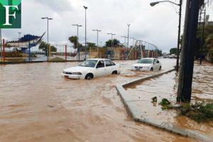 Continúan las inundaciones en La Guaira por fuertes lluvias